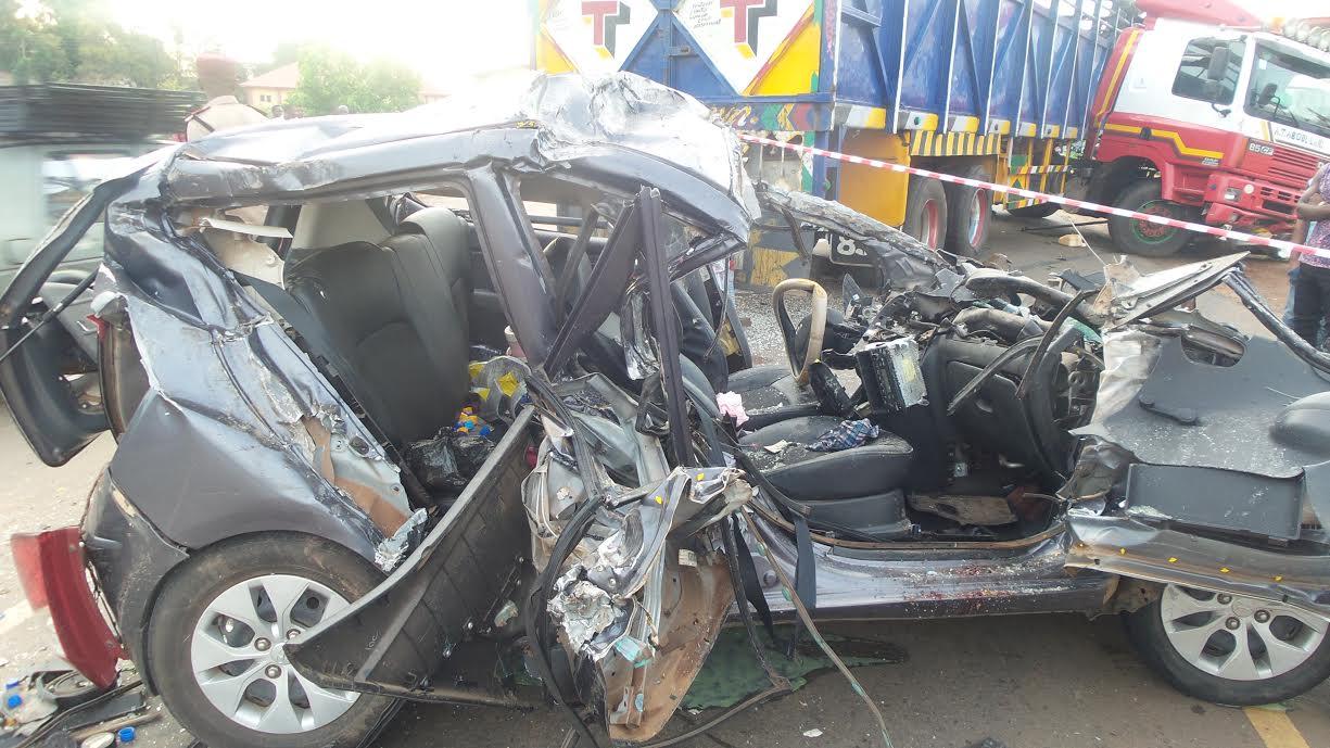Varsity don, pregnant woman, six others die in Ebonyi auto crashes