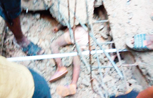 Six trapped as Two-storey building collapses in Anambra
