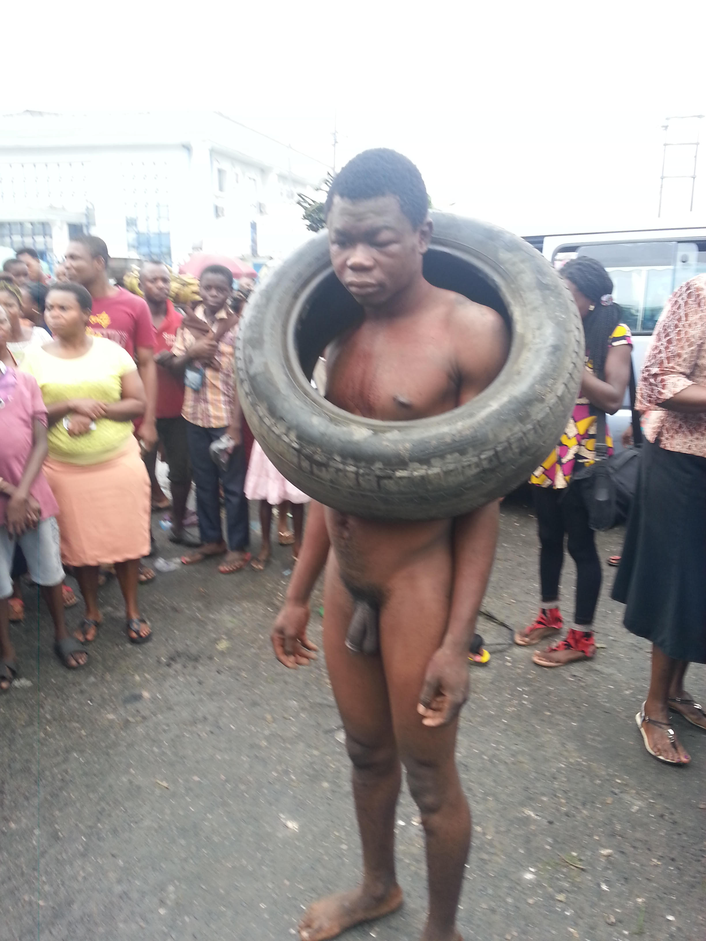 Garri thief escapes lynching in Calabar