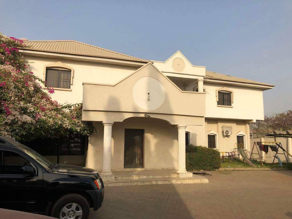 Again El-Rufai threatens to demolish Hunkuyi's House