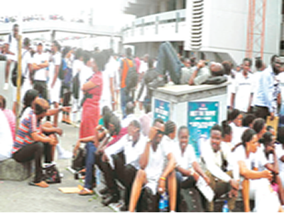Monarch seeks more jobs for Nigerians