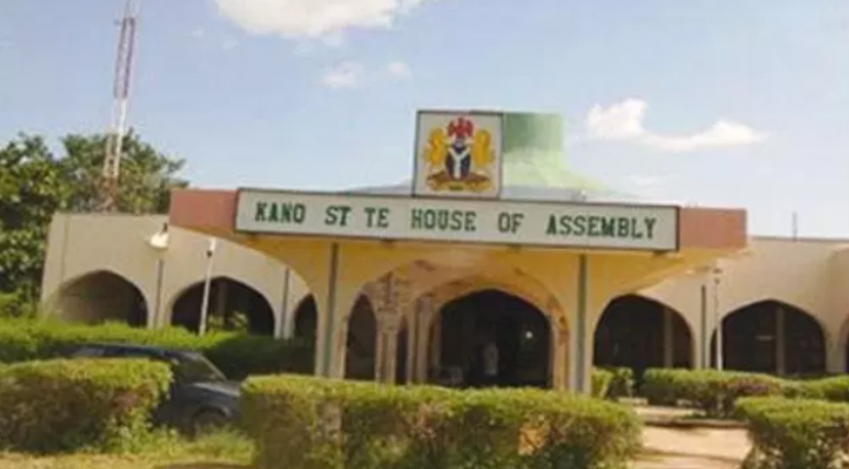 JUST IN: Governor Ganduje resolves Kano assembly crisis