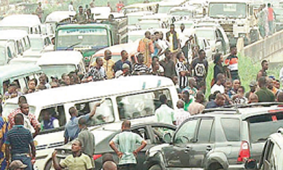 Three injured in Lagos-Ibadan Expressway crashes